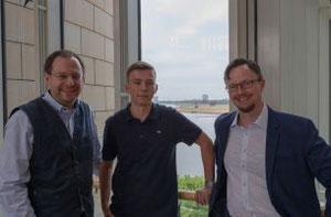 Felix Haltt (stellv. Kreisvorsitzender FDP Bochum), Steven Burdeska und Stefan Lenzen MdL (v.l.n.r.)