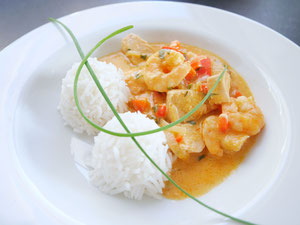 Rotes Fischcurry / Basmatireis