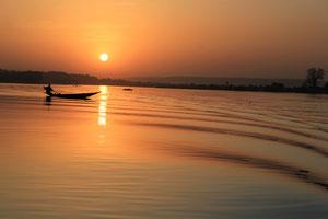 Coucher du soleil sur le Niger.