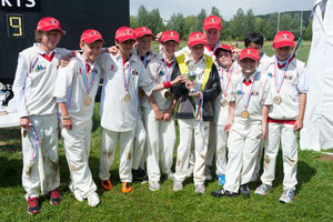 Swiss U12 team with the runners-up trophy