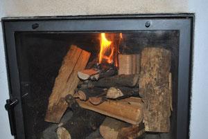 Kaminfeuer oben entzündet