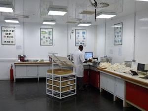 laboratoire SOFITEX (à Bobo Dioulasso) à +- 2 %HR