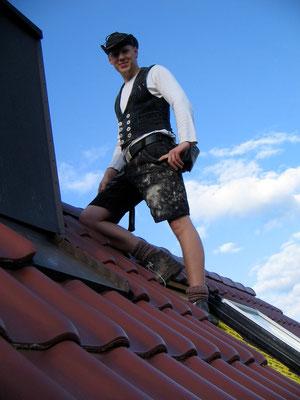 Zimmerer auf Dach