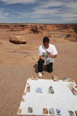 Foto: Chris Pinto, Navajo Rock Artist, Canyon des Celly
