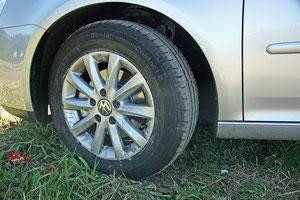 Nach dem Werkstattbesuch -> unser neuer Reifen