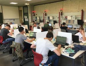 Schüler der ET2 während der Prüfung - BSZ Neumarkt, Schlierf