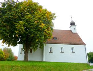 Das Ziel der Radltour, die St.- Leonhardskapelle in Velburg. Foto: Klaus Eifler