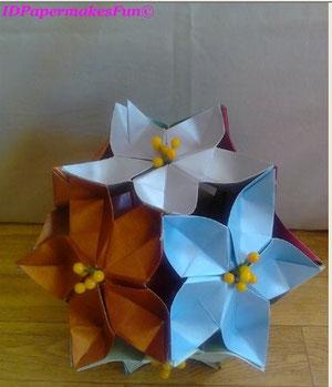 Origami Blütenkugel  mit Blütenpollen