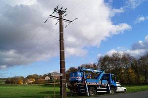 13 novembre 2018 : Enedis Picardie s'apprête à changer les ponts sur une ligne 20 000 volts.