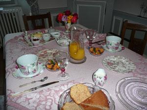 le petit déjeuner des hôtes à Crocq