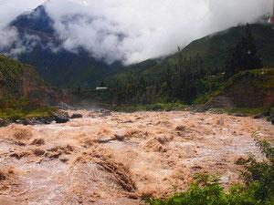 ウルバンバ川(スペイン語:Río Urubamba)