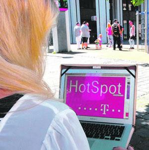 Auf ins Internet-Zeitalter: Mit kostenfreien Wlan-Zonen soll Stolbergs Innenstadt an Attraktivität gewinnen. Bereits im Herbst soll der Stadtrat die erforderlichen Beschlüsse dazu fassen.