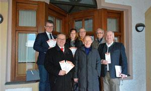 v.l. Bgm. Martin Birner, Johann Herl, Rosa Schafbauer, Johann Fischer, Dr. Peter Deml, Jonas Keilhammer, Josef Schönhammer