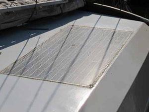 Verdrecktes Photovoltaik Modul zur Reinigung