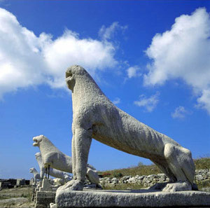 The Lions Avenue in Delos