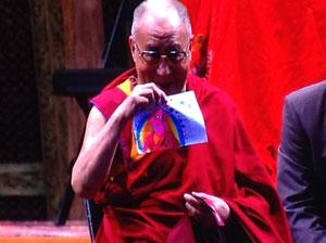 El Dalai Lama dando instrucción pública en México