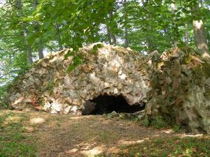 Ruinenreste der Hirschburg