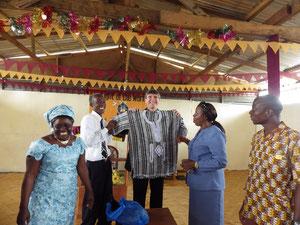 Presentation of tradional Liberian garment