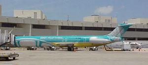 Einige MD-83 erhielten noch das aktuelle Farbschema.
