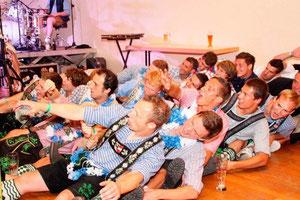 """""""Linkskurve"""": Der 1.FC rockt die Bühne in Öflingen  @badische zeitung"""