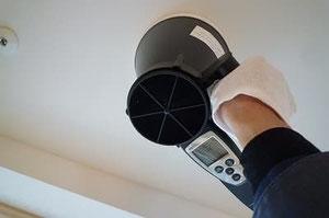 換気風量測定の様子