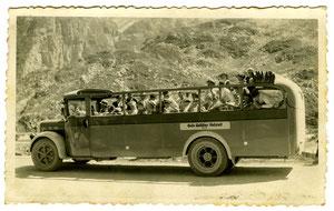 Hofstatt, Gebrüder Galliker, Reisebus mit offenem Verdeck, um 1940  (TV 3)