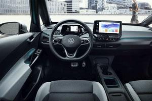 Cockpit des ID.3 mit dem mittig angeordneten Touchscreen (Bild: Volkswagen)