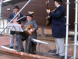 Musik von Günter, Holger und Heinz in Arnis 1.04.2003