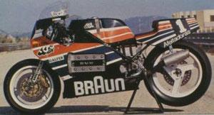 la moto en el circuito de Calafat