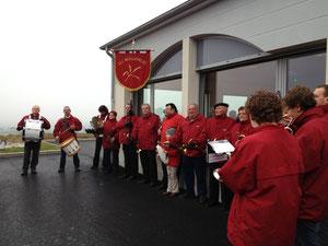 Les Moissonneurs du Terregatte animaient en fanfare l'inauguration de la magnifique salle des fêtes.