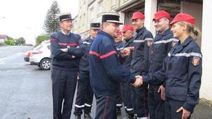 Les lieutenants-colonels Soriol et Lourdin en inspection lors d'une précédente visite à Juvigny