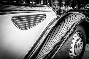 schwarz, weiss, Fotos, monochrome, classic, remise, Autos, Kunst, art, Hafen, Neuss, Duisburg, LaPaDu, Autoskulpturen, Neandertal, Strand, Motorrad, DJpictures
