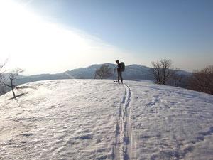 落日間近い青ヶ丸山頂