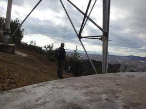 鉄塔下から小豆島を望む