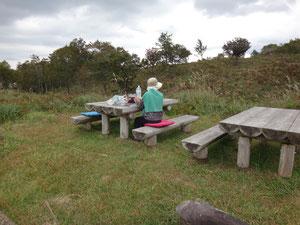 上山高原のベンチで