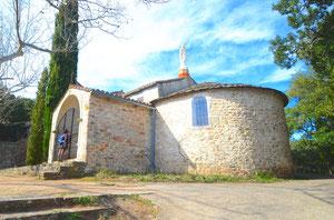Chapelle du XIIème siècle, avant le style go ... tique