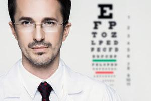 Optometrist/ istock 20028014/© Bliznetzov