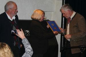 Im Rahmen der Wichner-Lesung wurde Walter Höferl mit der Wichner-Medaille ausgezeichnet. Foto: WaPA