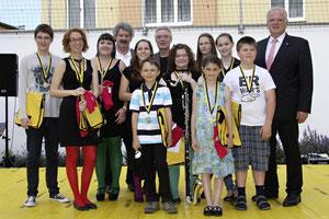 """Bürgermeister Dr. Reinhard Resch gratulierte den erfolgreichen """"Prima la Musica""""-PreisträgerInnen. Foto: Stadt Krems."""