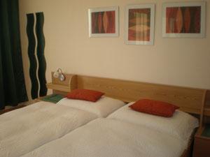 Einbett- und Doppelzimmer