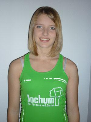 Die 17-jährige Schülerin Eva Herrmann von der LG Reischenau-Zusamtal wurde für ihr erfolgreiches Jahr als Speerwerferin mit dem Bayern Star 2012 geehrt. (Bild rk)