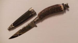 Nr. 56 Lederhosenmesser mit Pferdefuhrwerkverziehrung von Alois Achatz Pferdeartikel / Horse Products