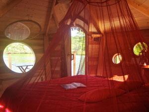 une cabane familiale pour une nuit dans les arbres