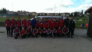 Unsere Jungs von der C/D-Jugend mit den Trainern des DFB und des SCK