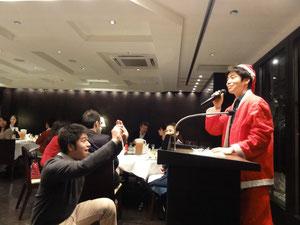 司会はチーフの十倉満先生が務めました。