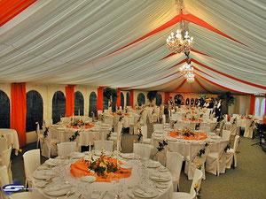 Zeltdekoration für Ihre Hochzeit