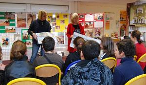 Geneviève et Annick présente AM aux élèves du Collège A.Dumas de Maurepas