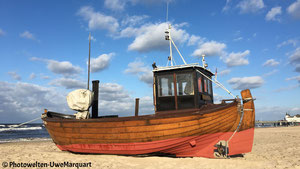 Fischerboot am Strand von Ahlbeck - Insel Usedom