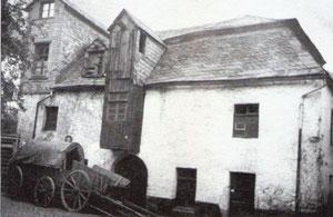 Mühle mit Aufgang zum Burgweg