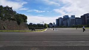 6月17日皇居前広場